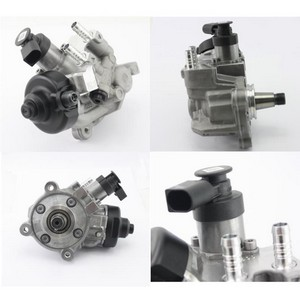 Hochdruckpumpe VW T5 Transporter / Multivan 03L130755J / 0445010555 / 2.0 TDI